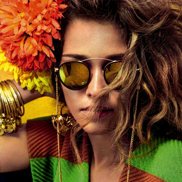 Ana Beatriz Barros' Flower Power