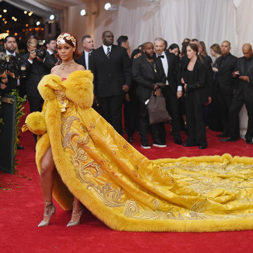 Rihanna Owns the Red Carpet