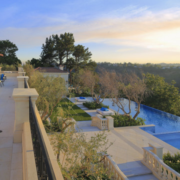 Drake and the Beverly Hills Grande Bellezza Villa
