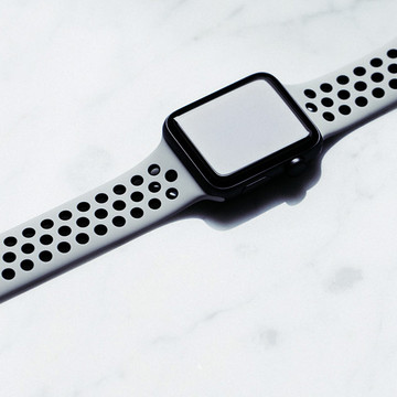 Detailed Look at the Apple Watch Nikelab
