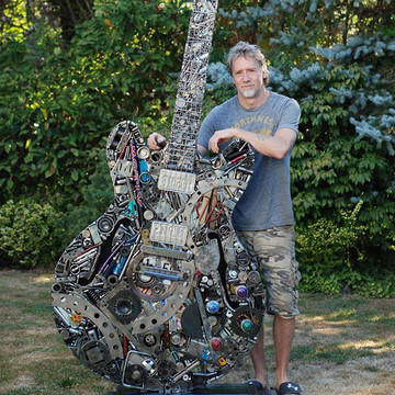 Artist Creates Masterpieces out of Scrap Metal