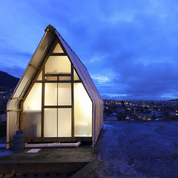 The Tiny Home Built Upon a Rooftop